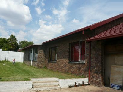 3 Bedroom House for Sale For Sale in Rooihuiskraal - Home Sell - MR02298