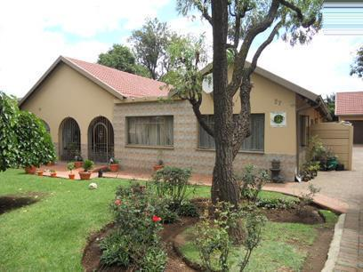 4 Bedroom House For Sale in Alberton - Private Sale - MR023043