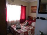 Bed Room 1 - 22 square meters of property in Alberton