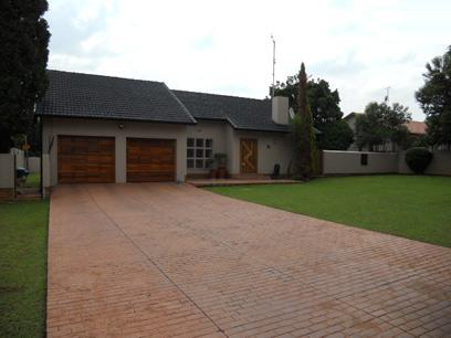 Standard Bank EasySell 3 Bedroom House For Sale in Randhart - MR023126