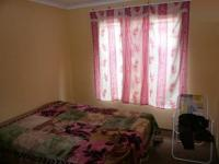 Bed Room 2 - 12 square meters of property in Lotus Gardens