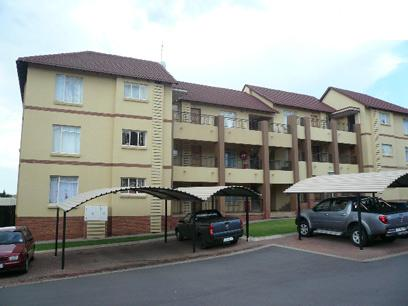 2 Bedroom Apartment For Sale in Emalahleni (Witbank)  - Private Sale - MR023401