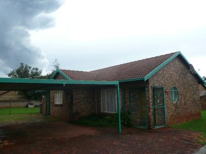 Standard Bank EasySell 3 Bedroom House for Sale For Sale in The Orchards - MR023470
