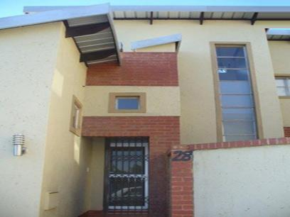 2 Bedroom Duplex for Sale For Sale in Die Hoewes - Home Sell - MR023589
