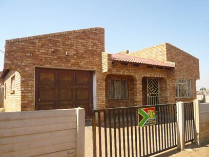 FNB Repossessed 2 Bedroom House for Sale For Sale in Brakpan - MR02361