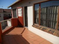 Patio - 24 square meters of property in Mondeor