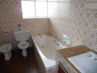 Main Bathroom of property in Mulbarton