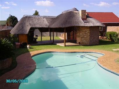 4 Bedroom House to Rent To Rent in Randfontein - Private Rental - MR02494
