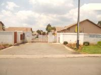 3 Bedroom 2 Bathroom in Ormonde