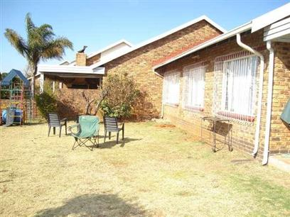 3 Bedroom Simplex To Rent in Kempton Park - Private Rental - MR025910