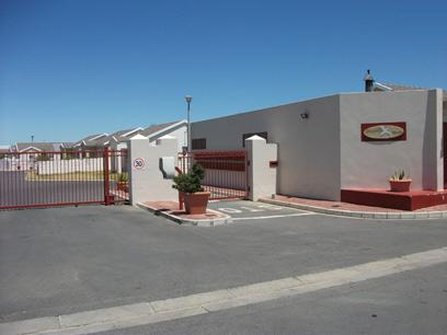 Standard Bank EasySell 3 Bedroom House for Sale in Gordons Bay - MR025930