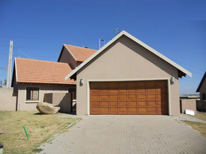 Standard Bank Mandated 3 Bedroom House for Sale on online auction in Kosmosdal - MR026031