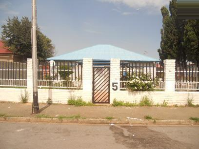 Standard Bank Repossessed 3 Bedroom House for Sale For Sale in Malvern - JHB - MR026096