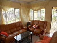 Lounges - 21 square meters of property in Pinetown