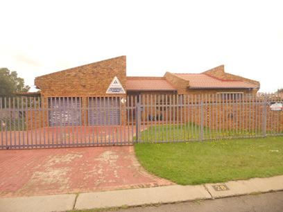 Standard Bank EasySell 3 Bedroom House for Sale For Sale in Dalpark - MR026230