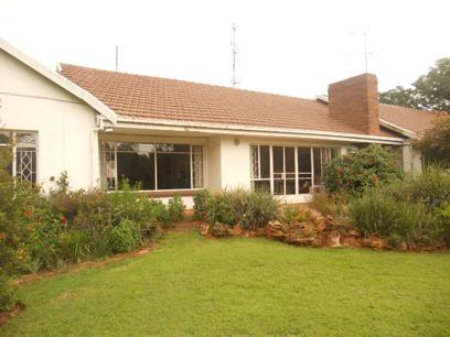 Standard Bank EasySell 3 Bedroom House For Sale in Northcliff - MR026468
