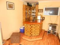 Lounges - 46 square meters of property in Brackendowns