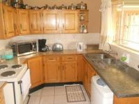 Kitchen - 10 square meters of property in Brackendowns