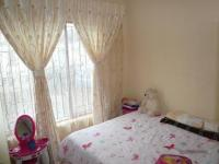 Bed Room 1 - 7 square meters of property in The Orchards