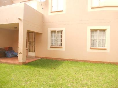 Standard Bank EasySell 3 Bedroom Sectional Title For Sale in Kew - MR026608