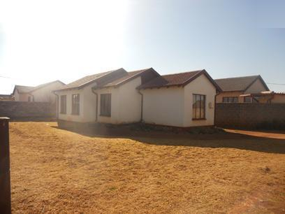 Standard Bank Repossessed 3 Bedroom House for Sale on online auction in Vosloorus - MR026640