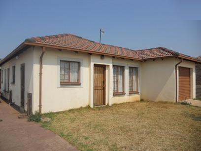 Standard Bank Repossessed House on online auction in Nellmapius - MR026651