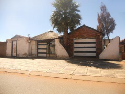 Standard Bank Repossessed House for Sale on online auction in Soweto - MR026652
