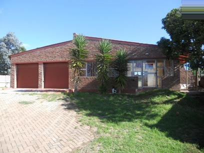 Standard Bank Repossessed 3 Bedroom House on online auction in Jeffrey's Bay - MR026666