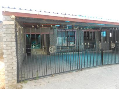 Standard Bank Repossessed 3 Bedroom House for Sale For Sale in Blue Downs - MR026686