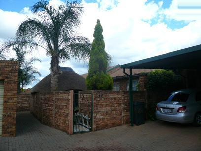2 Bedroom Sectional Title for Sale For Sale in Moreletapark - Private Sale - MR026691