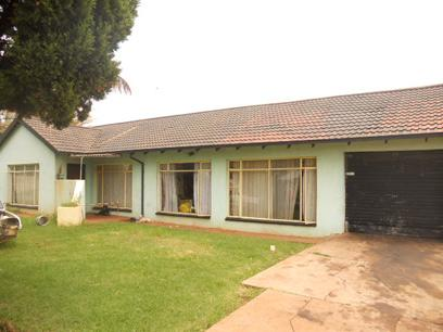 Standard Bank Repossessed 3 Bedroom House for Sale on online auction in Carletonville - MR026693