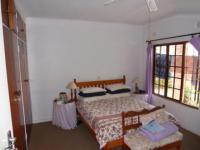 Main Bedroom - 17 square meters of property in Umkomaas