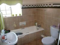Main Bathroom - 6 square meters of property in Moreletapark