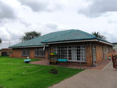 Standard Bank Repossessed 3 Bedroom House for Sale on online auction in Emalahleni (Witbank)  - MR026882