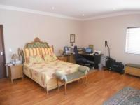 Main Bedroom - 23 square meters of property in Parow North
