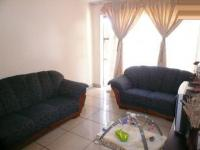 Lounges - 18 square meters of property in Silverton
