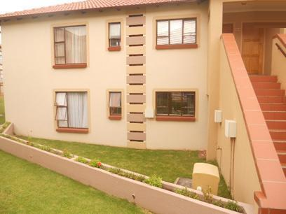 3 Bedroom Sectional Title for Sale and to Rent For Sale in Klipriviersberg - Private Sale - MR026980