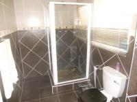 Main Bathroom - 6 square meters of property in Klipriviersberg