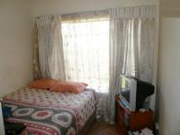 Bed Room 1 - 12 square meters of property in Theresapark
