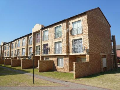 Standard Bank Repossessed 1 Bedroom Sectional Title for Sale For Sale in Karenpark - MR026992