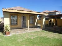 3 Bedroom 2 Bathroom in Bloemfontein