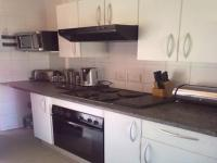 Kitchen - 10 square meters of property in Roodepoort West