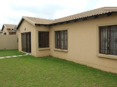 3 Bedroom Cluster for Sale and to Rent For Sale in Midrand - Private Sale - MR027444