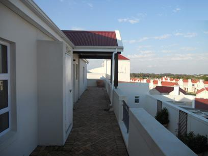 Standard Bank Repossessed 1 Bedroom Sectional Title for Sale For Sale in Port Elizabeth Central - MR027498