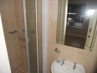 Main Bathroom - 3 square meters of property in Port Elizabeth Central