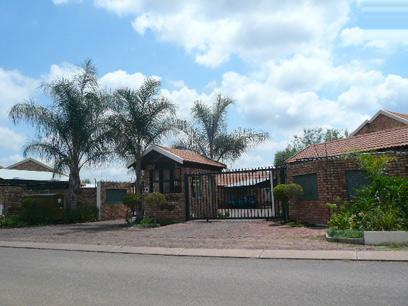 Standard Bank EasySell 2 Bedroom Sectional Title for Sale For Sale in Annlin - MR027531
