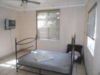 Bed Room 1 - 21 square meters of property in Umkomaas