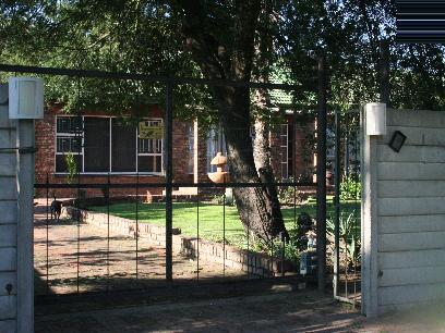 Standard Bank EasySell 3 Bedroom House for Sale For Sale in Ermelo - MR027659