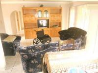 Lounges - 28 square meters of property in Lenasia South