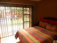 Main Bedroom - 18 square meters of property in Lenasia South